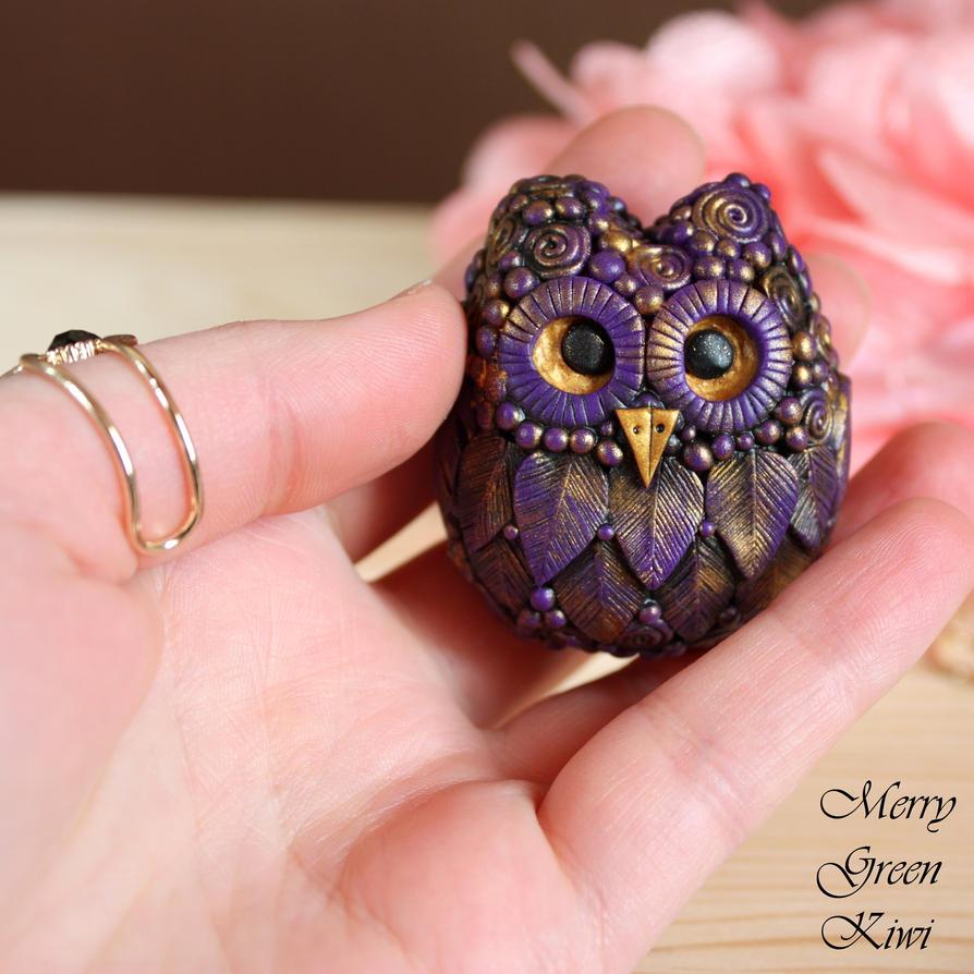 Very cute owl pendant by MerryGreenKiwi