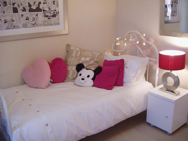 غرف نوم بناتيةةةة  In_house__girls_bedroom_by_231205_stock