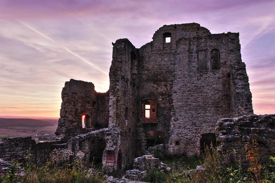Ruin Homburg by Khaosprinz