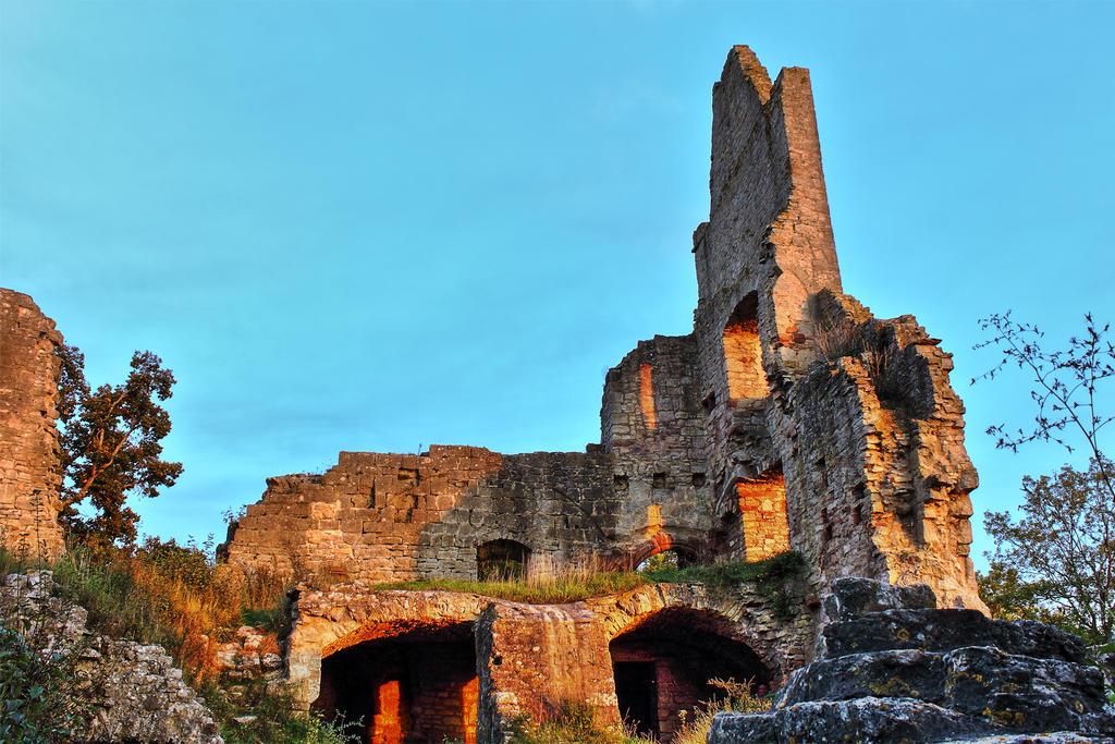 Ruin Homburg II by Khaosprinz