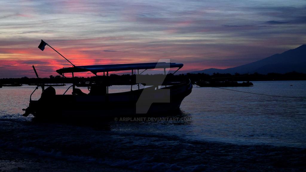 Sunrise Silhouette by AriPlanet