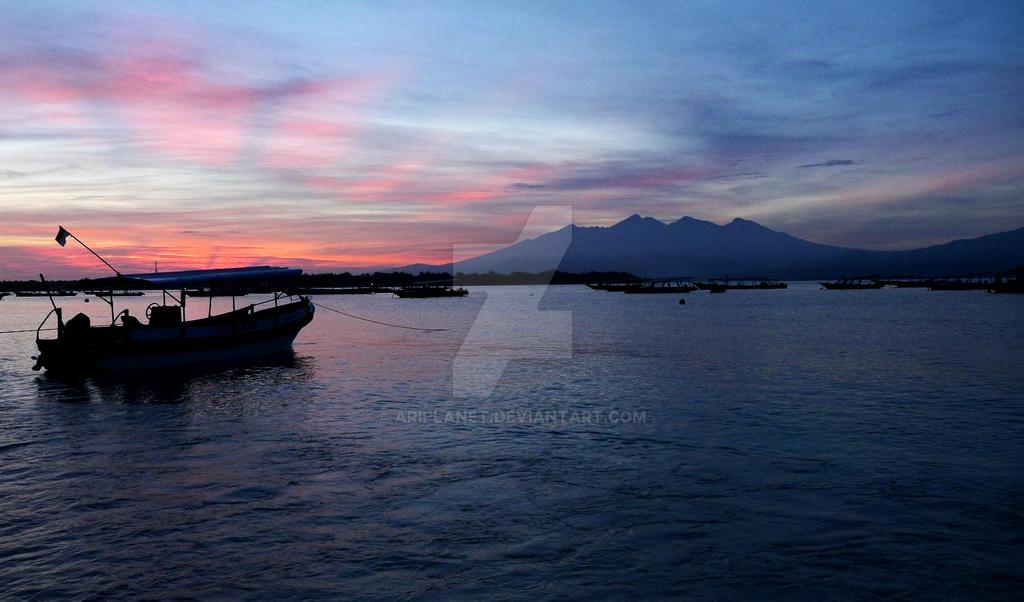 Awaiting Sunrise by AriPlanet