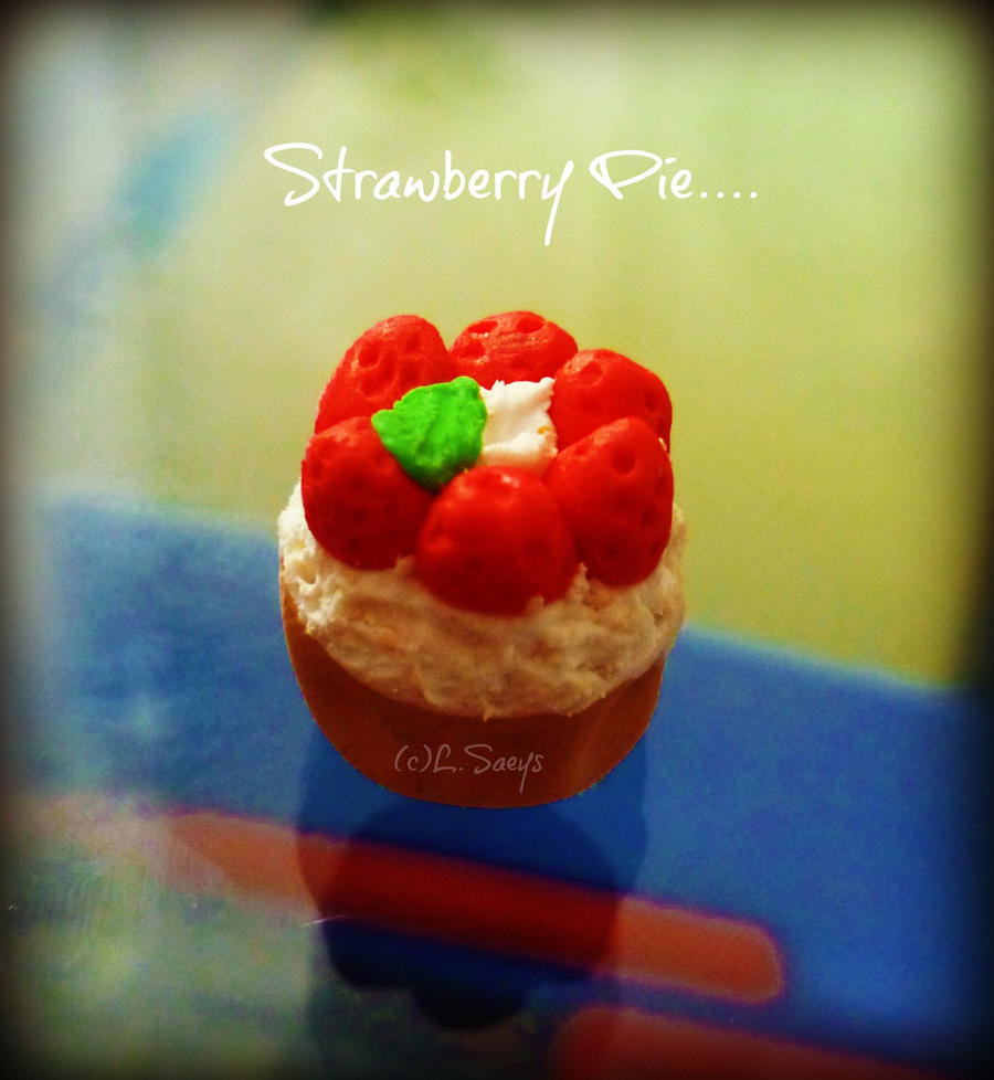 http://fc07.deviantart.net/fs70/i/2012/235/e/9/strawberry_pie_by_amyvarens-d5c6coq.jpg
