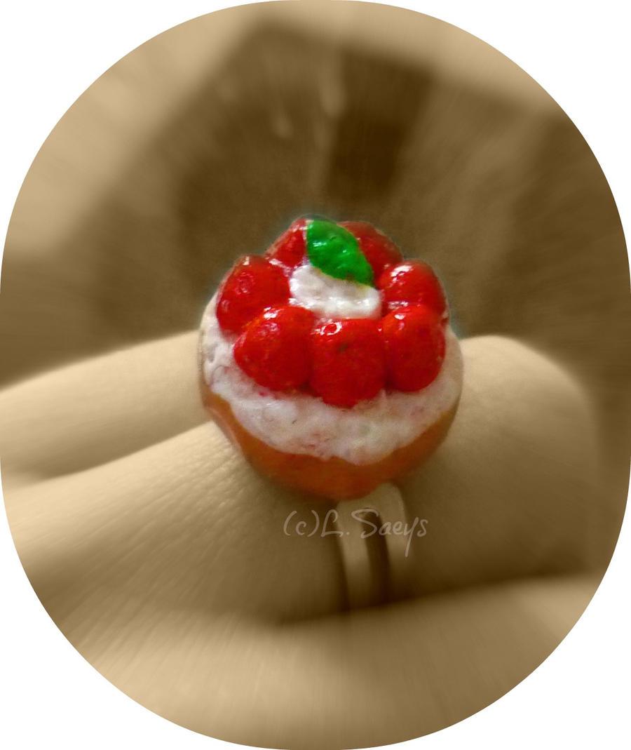 http://fc06.deviantart.net/fs70/i/2012/235/4/1/strawberry_pie_2_by_amyvarens-d5c6cxh.jpg