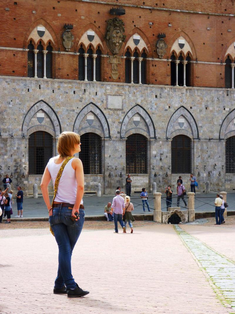 people in Siena by st2wok