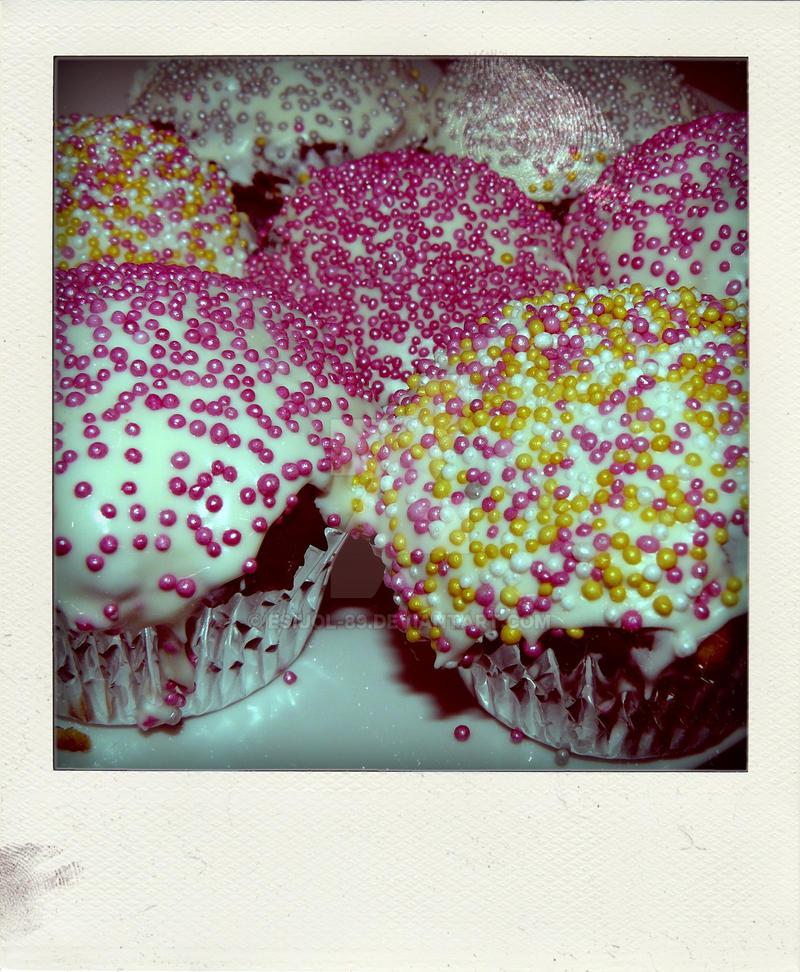 Cupcake by Esiuol-89
