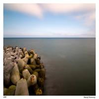 Waiting for the storm by Maciej-Koniuszy