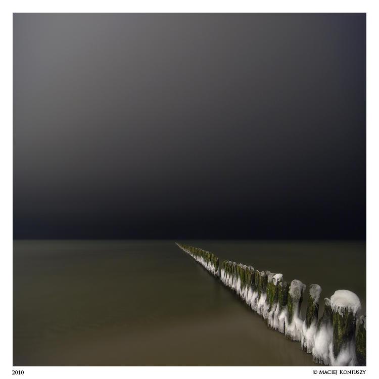 Baltic sea at night II
