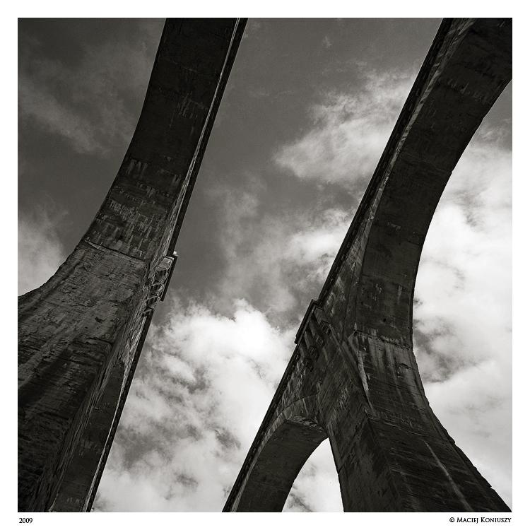 Aqueduct IR by Maciej-Koniuszy