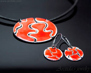 Red Enameled necklace earring set