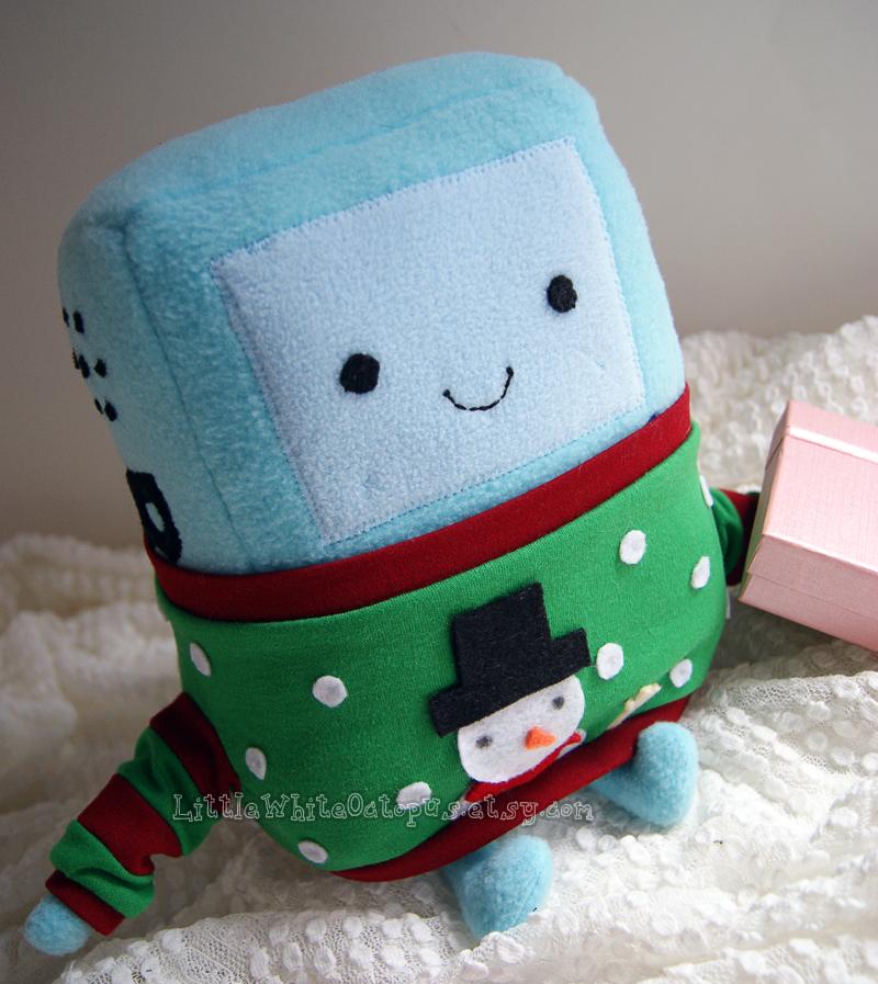 Holly Jolly BMO Plush by shiroiyukiko