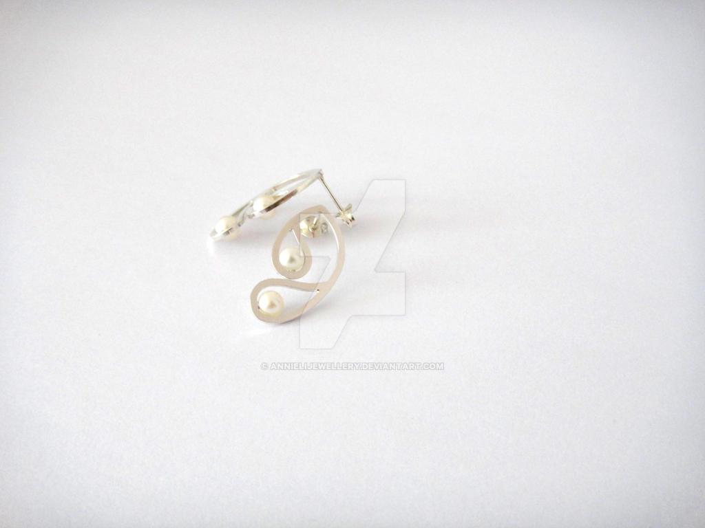 Sepia Earrings II in Silver by annielijewellery