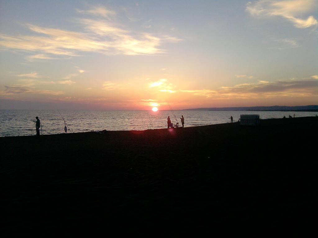 seaside by Larcheex-Clicexia