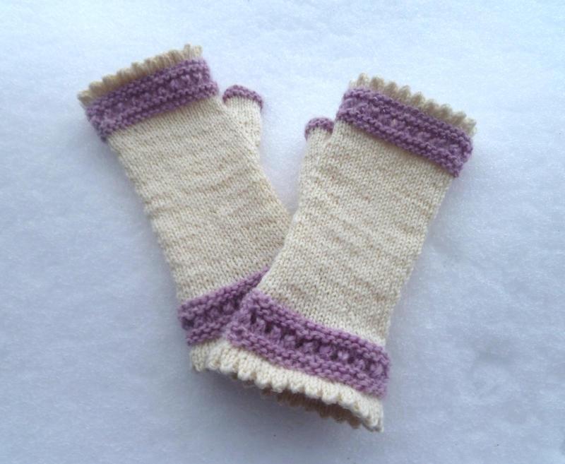 Jane Austen mittens by KnitLizzy