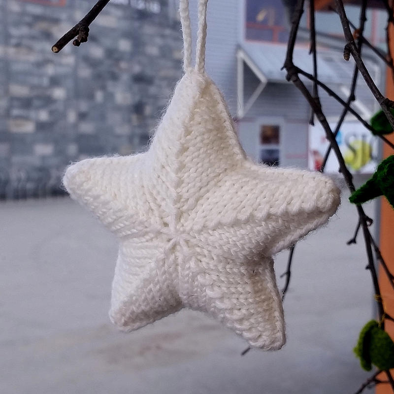 Star - knitted Christmas ornament by KnitLizzy on DeviantArt