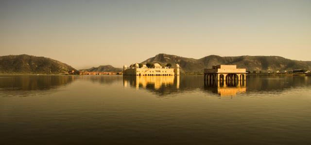 Water Palace widescreen by MiguelGaudencio