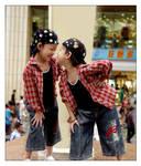 Twins by jiaaini