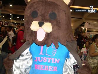 pedo bear loves biber by megadude234