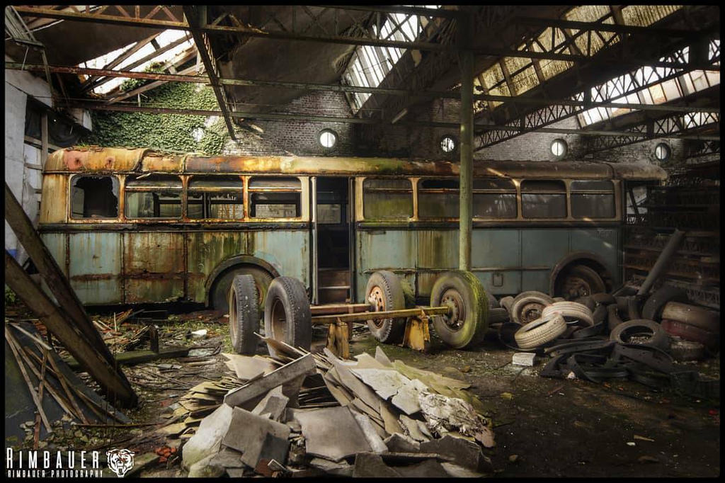 the bus to nowhere... by zarcoh