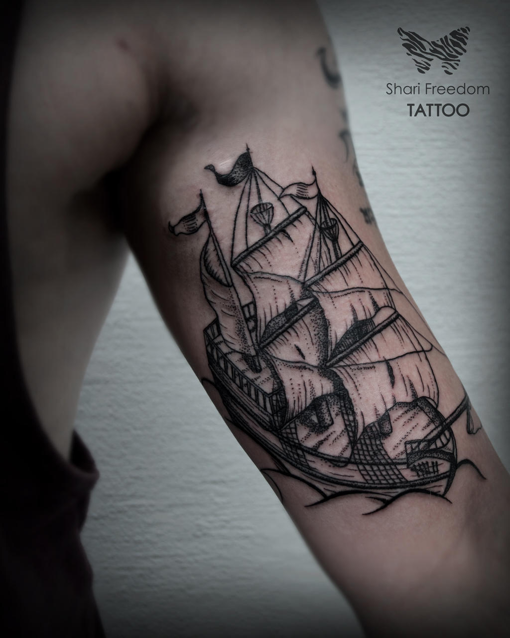 blackwork tattoo of war ship galleon by sharifreedom on deviantart. Black Bedroom Furniture Sets. Home Design Ideas