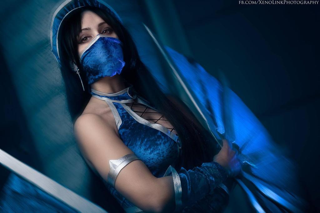 Kitana cosplay by Crystal Emiliani by LauraCrystalCosplay