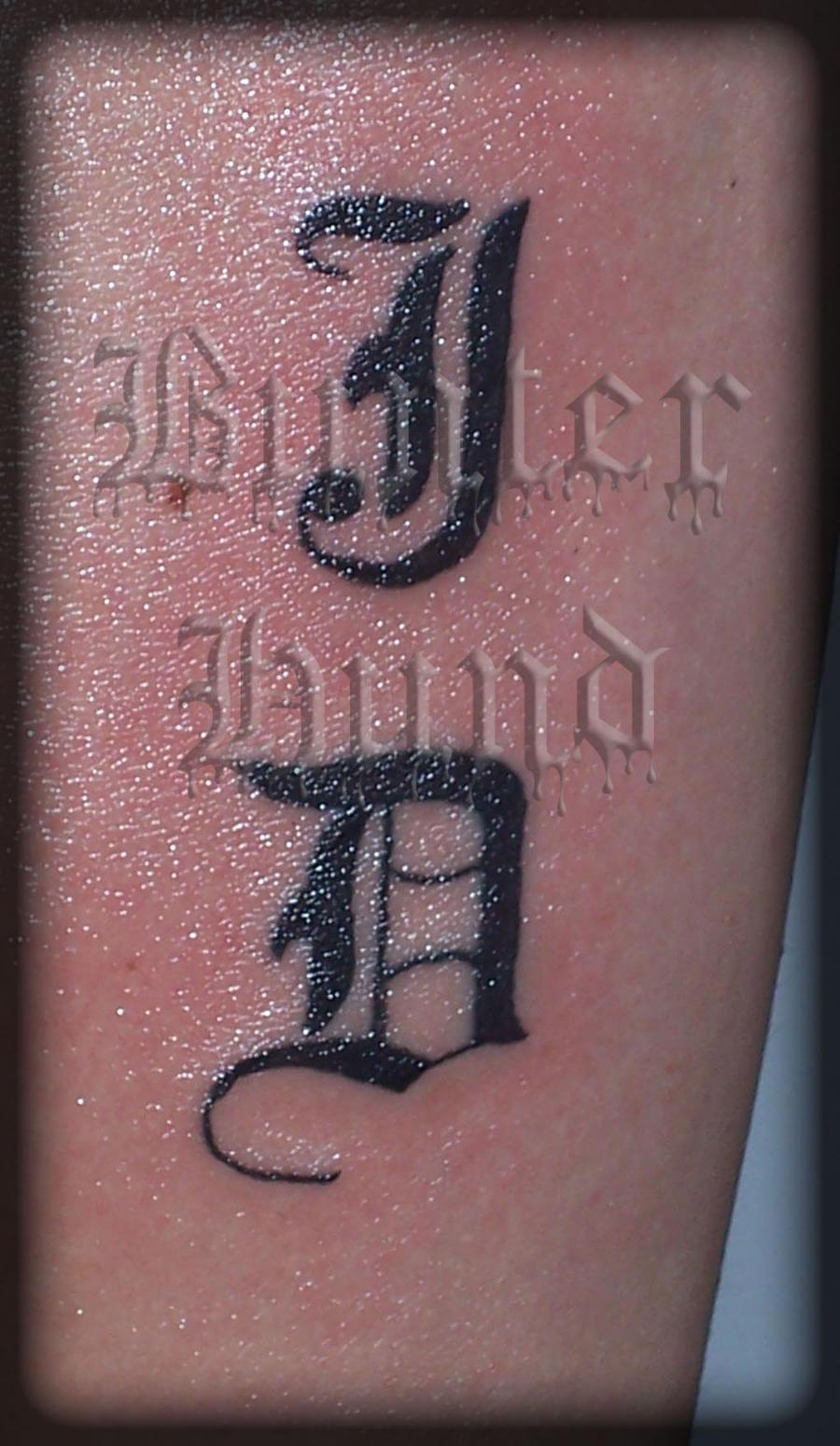 Фото татуировок с инициалами
