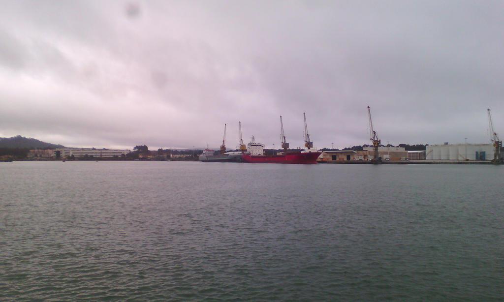 The port by GhostOfTheEmptyGrave