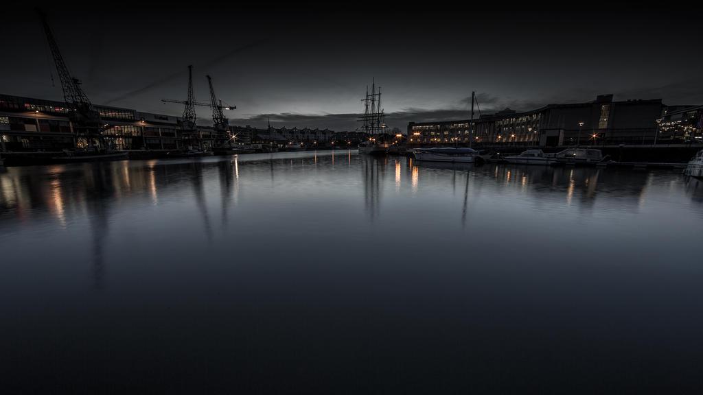 Bristol 2 by moonstomp