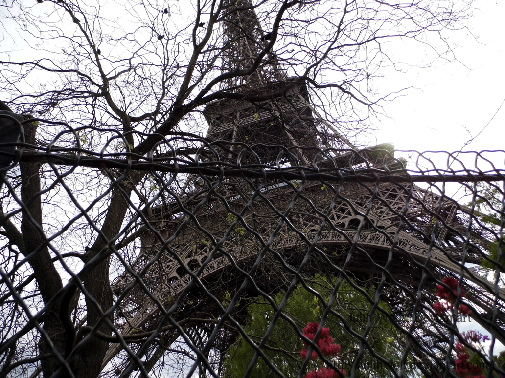 Tour Eiffel by JulihWolf