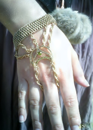 Dragonscale Slave Bracelet by sirlevaris