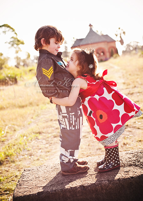 Hug by kittynn