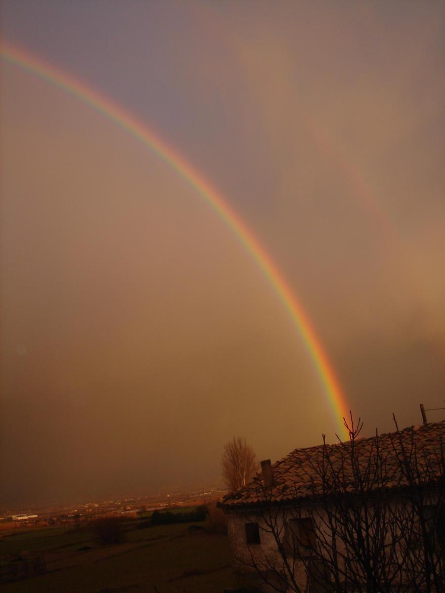 rainbow by MidnightOfRain