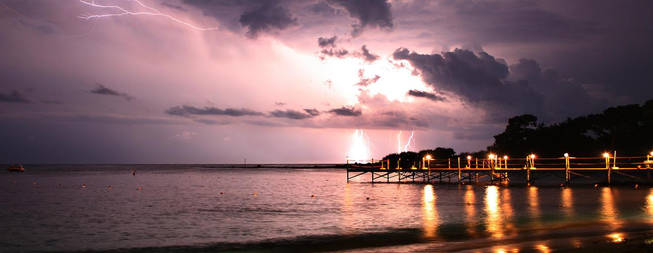 Lightning in turkey by XxNightflower
