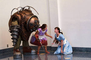BioShock - Big Daddy with Little Sisters