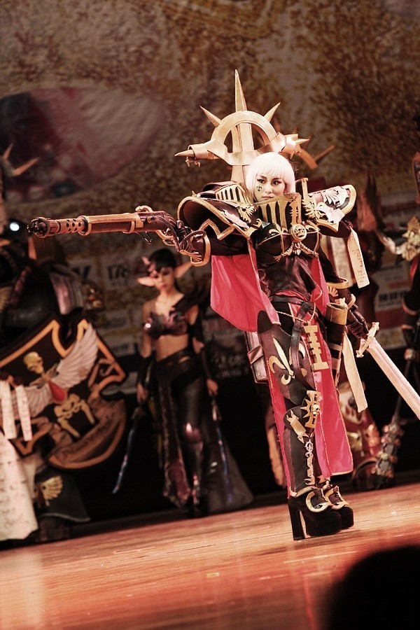 Cosplay 40k Sisters_of_battle_canoness_by_dry850610-d3itcwx