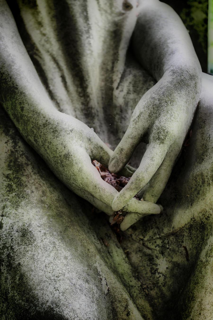 praying by Hagazussa82