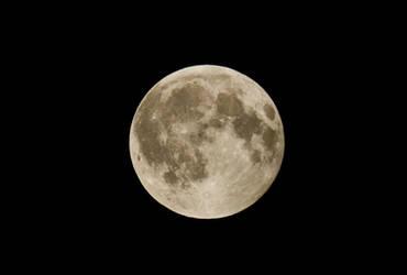 Full moon by rocksau