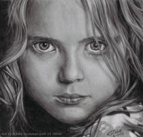 Pastel Pencil Girl by Gwennafran