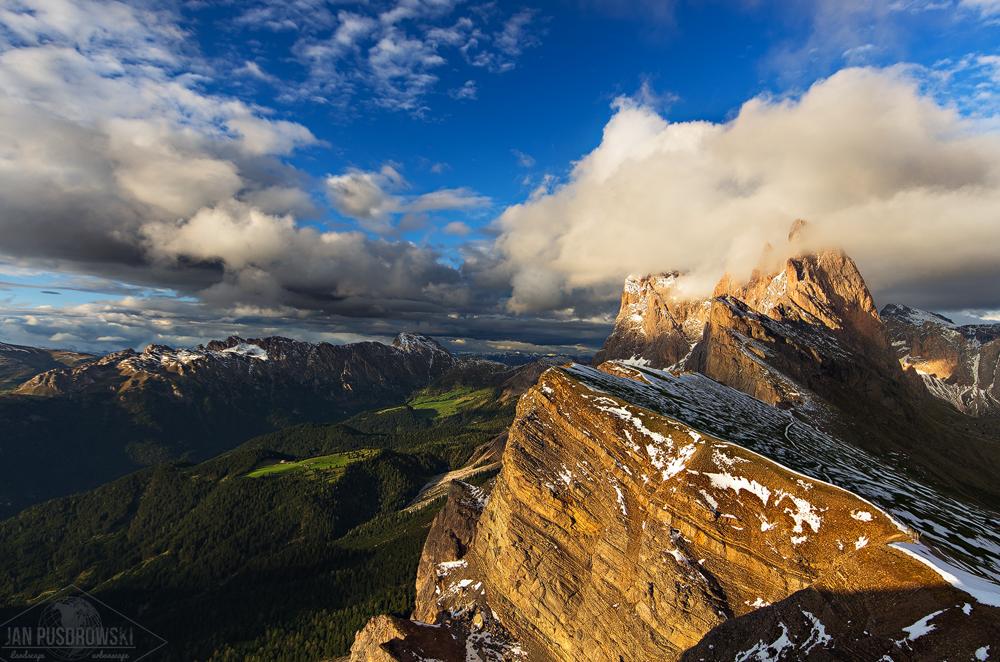 Golden Peaks by JanPusdrowski