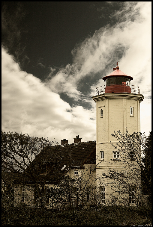 Lighthouse by Crossie