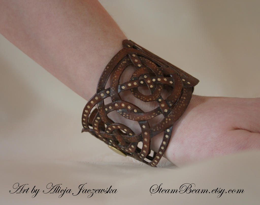 Steampunk octopus bracelet - side view by adalheidis