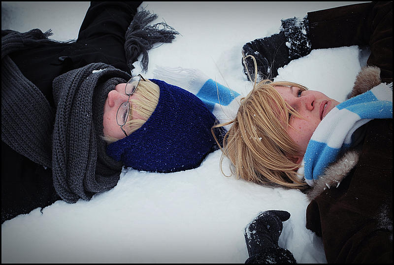 Lying in the snow by chibifie