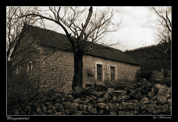 Stare kuće Forgotten___by_StevaNN