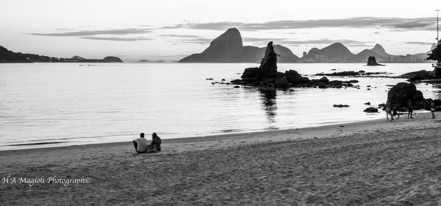 Icarai beach, Brazil by HenriqueAMagioli