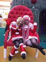 Rin and Luka X-mas by BloodyAlysskokoro