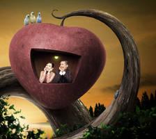 Couple in the Apple by kumkumkum