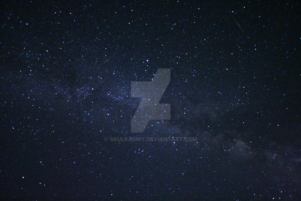 The night sky by Skulkarmy