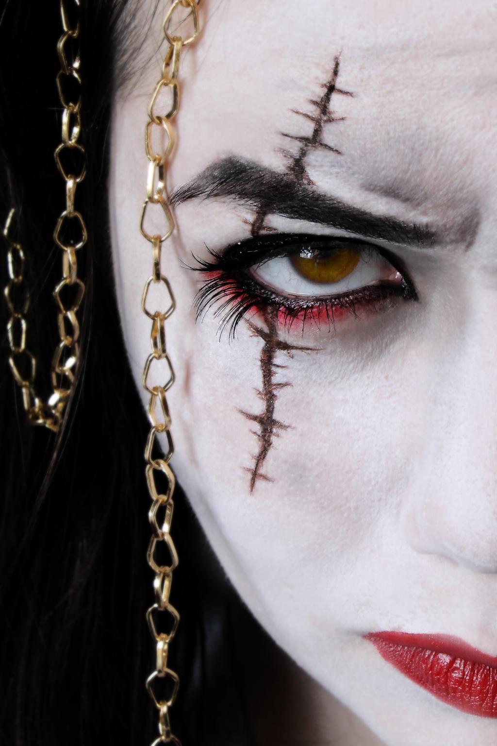 Как вести себя как вампир (девушки) - wikiHow 781