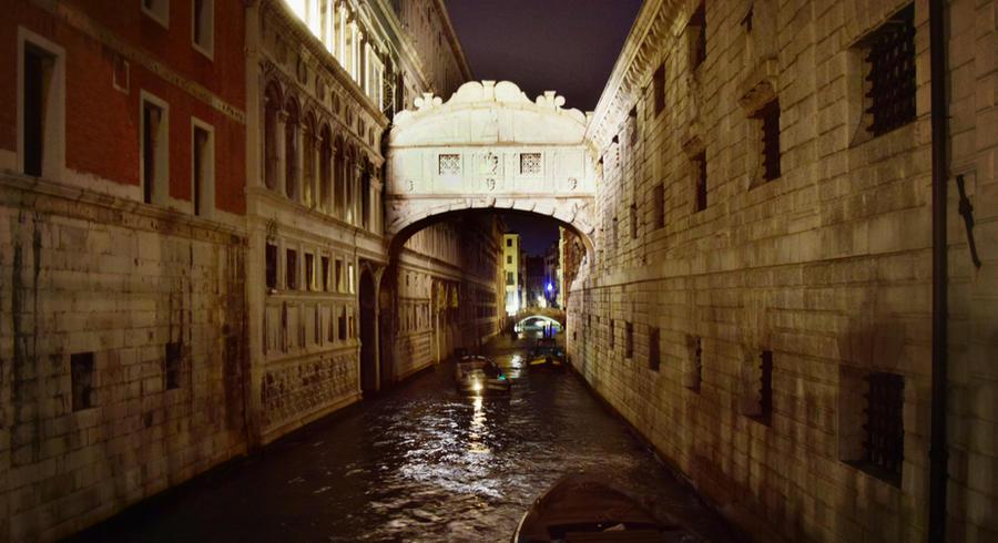 Venice by Roaviena