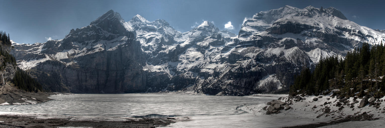 Oeschinensee Panorama by troubleacm